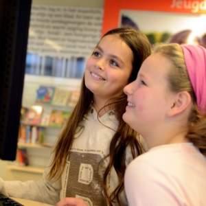 Afbeelding bij Primair onderwijs in Hoogeveen blij met dienstverlening Bibliotheek